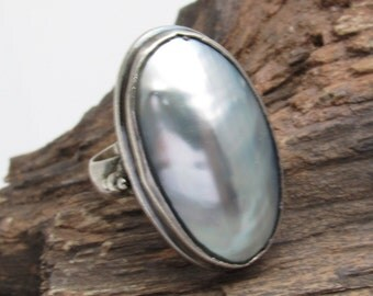 Vintage Sterling Ring Blue Mother of Pearl Jewelry Oval Pearl R7470