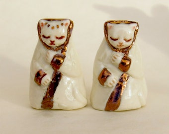 Royal Queen and Princess Kitty Cat Porcelain Collectible Miniature Ceramic Folk Art Kitten Figurines