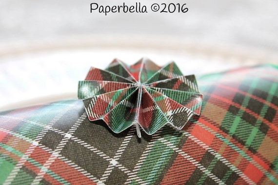 Fill Your Own Party Crackers Christmas Plaid Green Crepe Paper Black Red Party Popper, Personalize with Your Monogram and a Paper Rosette