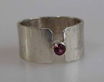 Pink Tourmaline gemstone wide silver ring size P or 8