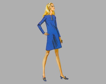 1969  Dress pattern McCall's 2089, Size 14, Bust 36 Three versions, Short / sleeves Front button trimmed yoke dress Back zipper UNCUT FF