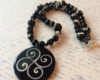 Black and White Rhapsody Necklace