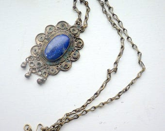 Vintage bold lapis lazuli necklace - silver metal.