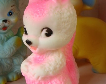 Rare Vintage Kitsch Pink Squirrel Squeak Toy