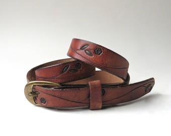 Boho vintage Floral Hand Tooled Narrow Brown Leather Belt / Getty Tooled Leather Belt / Boho Hippie Indie Hipster Gypsy Folk Festivals