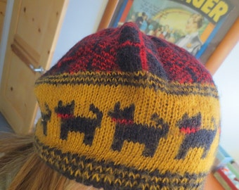 Vintage Knitted Scotty Dog Plaid Hat / Knitted Cap / Scottie Dog / Plaid Scottie dog
