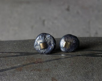 Crusty stud earrings in silver and 18ct gold