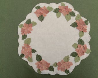 Hydrangeas Wreath Table Mat/ Candle Mat/ Penny Rug