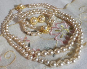 Faux Pearl Necklace - Bracelet - Pierced Earrings - Set - Gold Tone Metal -   1980 Era