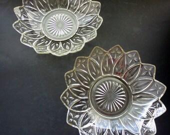 Vintage Flower Shaped Glass Bowl -  Federal Glass Petal Flower Glass Serving Bowl - Two Petal Edge Clear Glass Bowls