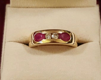 Vintage 14k Yellow Gold Diamond and Ruby Men's Ring Size 9.5