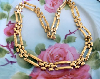 Vintage Monet signed Square open weave link Choker collar Necklace Gold tone