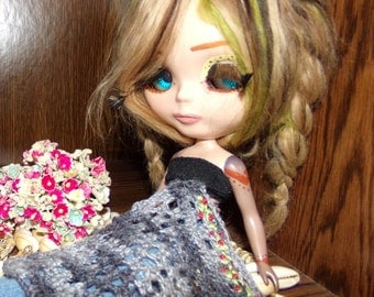 Tiny Roses Crocheted Wool Lap Blanket for Dolls
