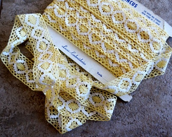 Vintage Lace Trim Yellow Crochet Style 16 Yards Samuel Pincus Embroideries New York 1960s