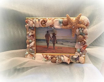 Smiling Starfish seashell frame