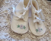 Vintage Felt Infant Child Shoes Boots Booties