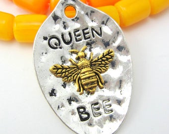3 Queen bee pendants silver bee charms 43mmm x 38mm bumblebee word charms diy jewelry findings message pendants 8S(DD5),