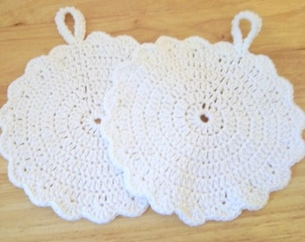 Potholder - Set of Two Crochet Potholder - Round in White - Made of Cotton Yarn