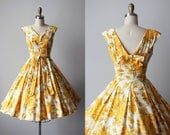 1950s Dress - Vintage 50s Dress - Beautiful Yellow Rose Print Polished Cotton Party Dress w Rear Bow - Ever a Surprise Dress