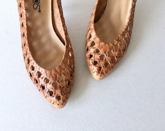 70's Woven Leather High Heels Size 5.5 Women's - Woven Brown Leather Pointed Toe High Heel Shoes - Bohemian Cameos Woven Leather Pumps