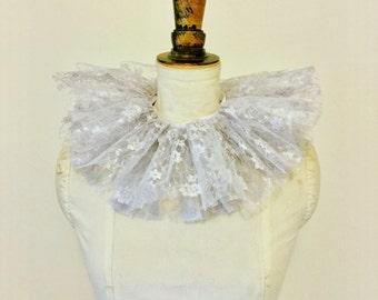 Silver lace neck ruff - Circus costume - Burlesque - Masquerade costume.