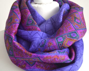 Purple Magenta Pure Sari Silk Infinity Scarf - Recycled Sari Eternity Scarf - Handmade Indian Silk Scarf - Pure Silk Scarf -  CMCISE0309