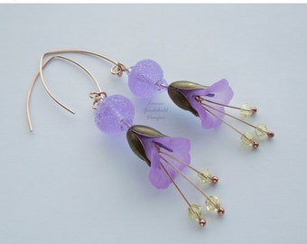 ON SALE Lilac Mist lilac flower earrings, lilac lampwork earrings, lucite bronze flower earrings