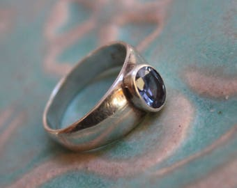 Sterling Silver ring with Blue Glass Stone Size 9 VINTAGE by Plantdreaming