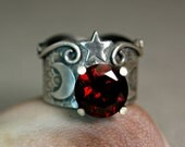 Chunky Red Garnet Sterling Silver Ring, Natural Gemstone Renaissance Jewelry, Bohemian Style Crescent Moon Ring