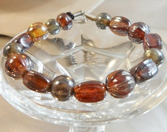 CHRISTMAS SALE Vintage Art Glass Bracelet. Carnival Glass Beads. AB Coated Bead Bracelet.