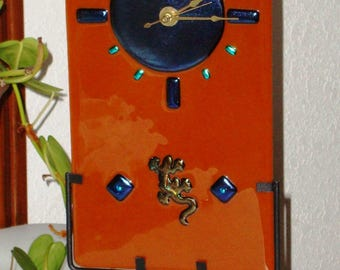 Fused Glass Table/Wall Clock - Caramel Colored/Gecko