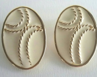 Retro Beige and Gold Rope Clip Earrings