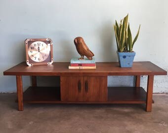 MID CENTURY MODERN Coffee Table or Media Stand  (Los Angeles)