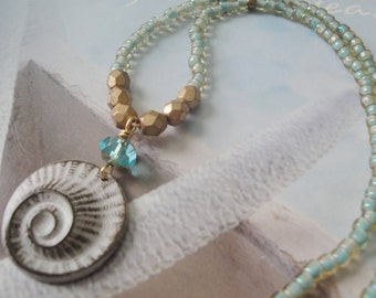 White Nautilus Stamping Beaded Necklace/Sound Of The Sea