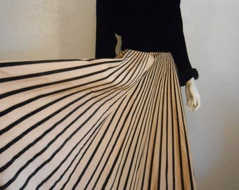 Spanning Out Across the Vista - Vintage 1940s Black Velvet & Mustard Gold Heavy Rayon Striped Gown Dress - Study - Poor