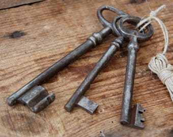 French antique keys, Rustic barn door, Key wall decor, Farmhouse Decor.