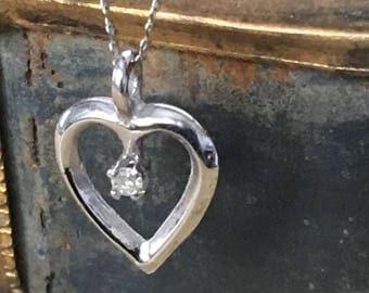 14k White Gold Diamond Heart Pendant Vintage Necklace