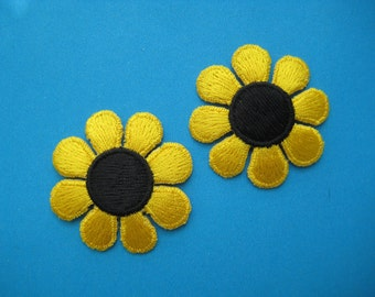 SALE~ 2 pcs Iron-On embroidered Patch SUNFLOWER (option: yellow or purple) 2 inch