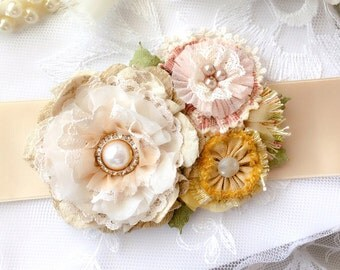 Floral Wedding Belt, Colorful Flower Sash, Bridal Belt with Pearls, Country Wedding, Garden Wedding, Rustic Wedding Sash, Wedding Dress Belt