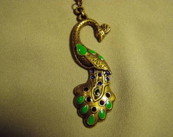 Vintage Brass Tone Rhinestone Enamel Peacock Pendant Necklace  9158