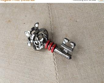 25% OFF 40's key pin. 1940 silver key pin. novelty brooch. 40 vintage pin.