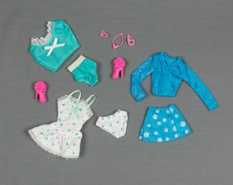 Barbie fashion clothes 3 outfits/Accessories, Gladiator shoes, necklace/earrings, Crop top/panties, Mini dress/panties, Skirt/top Pristine
