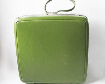 Mid Century Samsonite Sentry Overnight Suitcase in Avocado Green With Retro Floral Print Interior
