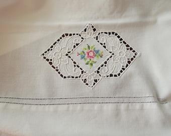 Pillowcase Pair Vintage Cotton Cutwork Embroidery Hemstitch