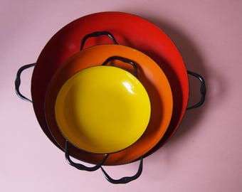 Circa 1970's Vintage Enamel Paella Nesting Pans - Made in Poland - Red Orange Yellow Cook Ware Kitchen