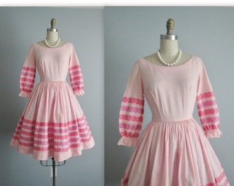 STOREWIDE SALE 50's Gingham Dress // Vintage 1950's Pink Embroidered Gingham Cotton Full Summer Dress XS