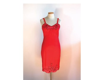 1960s Sexy Red Slip // Small