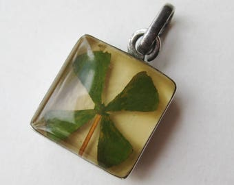 Vintage 50s Lucky Four Leaf Clover Embedded Lucite Sterling Silver Good Luck Necklace Pendant