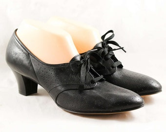 Size 9 Black Shoe - Unworn Leather Lace Up Oxford Shoes - Retro Victorian 1910s 1920s Look - Beautiful Quality - 9AA NOS Deadstock - 47858
