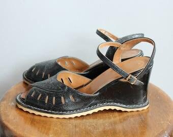 1960s Wedges // DeLiso Wedge Sandals // vintage 60s wedge heels // 8M